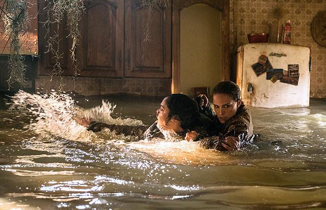 ジョシーを救うレナ